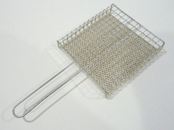 アウトドアでトーストを焼くのにいいかな?セラミック焼き網・正方形タイプ@100均キャンドゥ