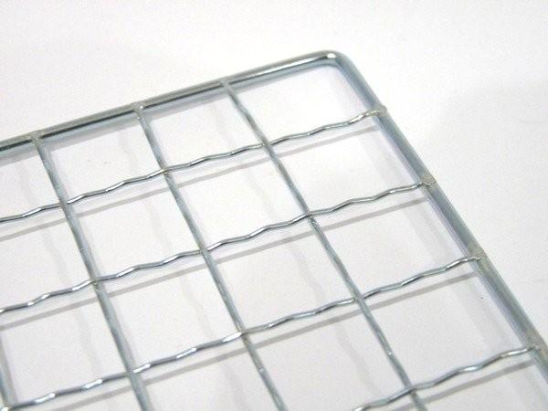 使い捨て価格?激安な正方形40x40cmのバーベキュー焼き網 @100均ダイソー