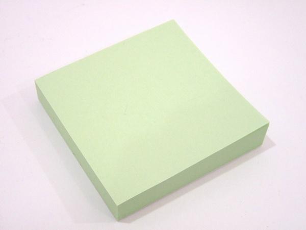 めずらしく淡い色の付箋紙、セイワ・プロ ふせんメモ75x75mm 150枚入 @100均レモン