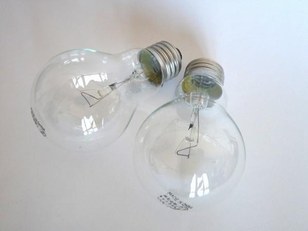お買い得♪電球60W(クリア)2個入り E-26 @100均 キャンドゥ