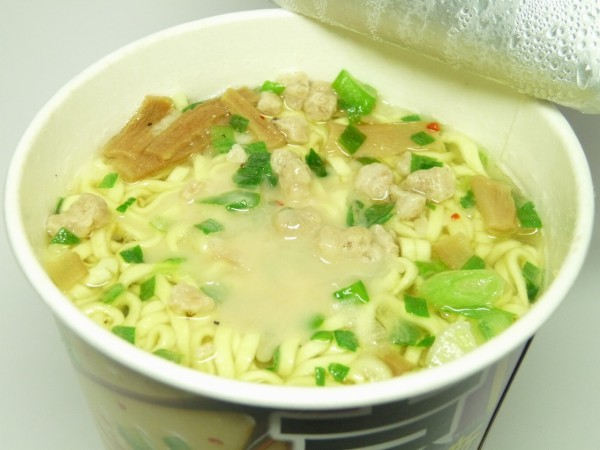 百均浪漫◆エースコック ご当地最前線 京都 こってり鶏白湯麺