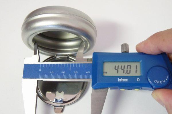 百均浪漫◆丸型ミニ携帯灰皿のサイズ(開口部直径)