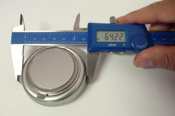 百均浪漫◆丸型ミニ携帯灰皿のサイズ(外径)