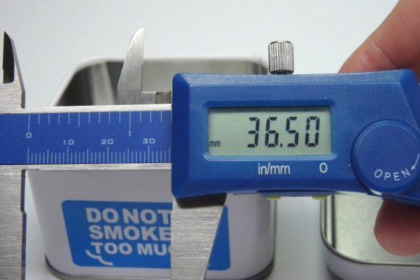 百均浪漫◆ダイソー ブリキの灰皿 角型 青