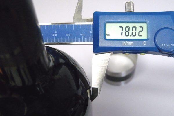 百均浪漫◆ダイソー ワイン温度計。試しにワインボトルの直径。