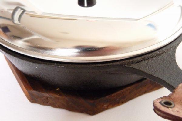 百均浪漫◆セリア・エコー金属 ステンレス製 親子鍋用蓋 16cm。ニトスキ15dmに乗せてみる。