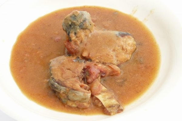 百均浪漫◆HOKO さばみそ煮 レトルトパウチ。中身の写真。おいしそう。