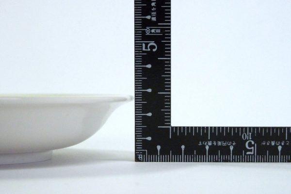 百均浪漫◆ナカヤ 日本製樹脂五寸皿。サイズ測定。