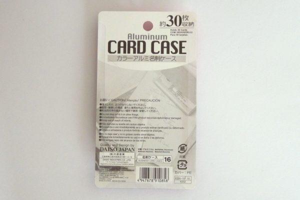 百均浪漫◆ダイソー・カラーアルミ名刺ケース30枚用。パッケージ裏側写真。