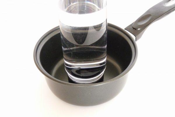 百均浪漫◆ダイソー ドリンクボトル500ml無地。水が漏れないかチェック。