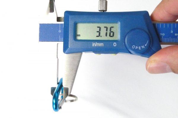 百均浪漫◆フジサキ カラビナ キーフックD型 4P。サイズ実測。