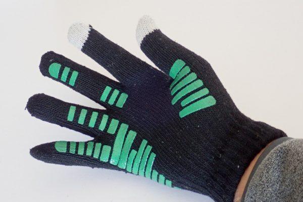 百均浪漫◆すべり止め付きスマホ操作可能な手袋。手にはめてみた。