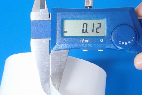 百均浪漫◆CS養生テープ(白) 48mm × 8m。養生テープ部分厚み測定。