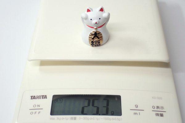 百均浪漫◆招き猫置物。重量測定。