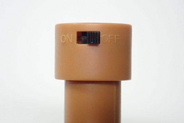 百均浪漫◆丸七 IN-07 LEDジュエリーライト コルク栓型。スイッチ部分。
