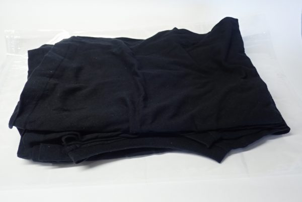 百均浪漫◆旅行用衣類圧縮袋L。シャツを圧縮してみる。