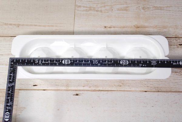 百均浪漫◆丸型アイス ダイヤカット 4個取トレイ。トレイ寸法測定。