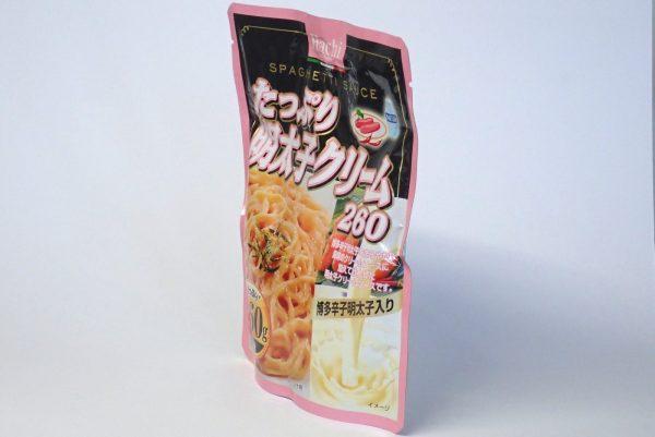 百均浪漫◆ハチ食品スパゲッティソース たっぷり明太子 260g。パッケージは立つよ。
