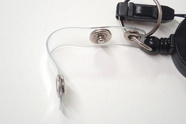 百均浪漫◆伸縮リール付ネックストラップ(安全装置付)。先端パーツ詳細写真。