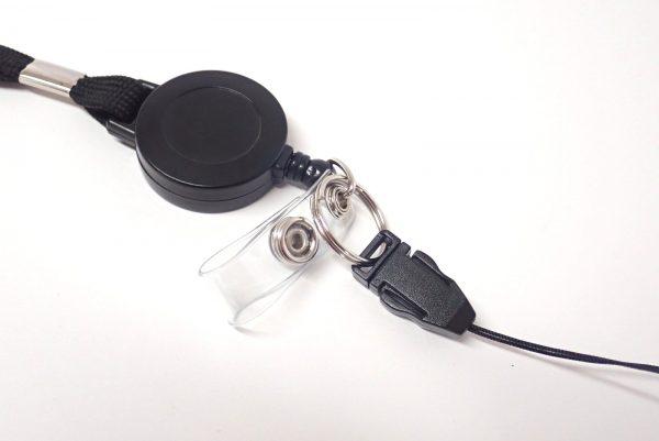 百均浪漫◆伸縮リール付ネックストラップ(安全装置付)。プチ改造。