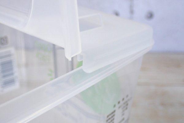 百均浪漫◆日本製 ライスストッカー 2kg用。フタの開閉。
