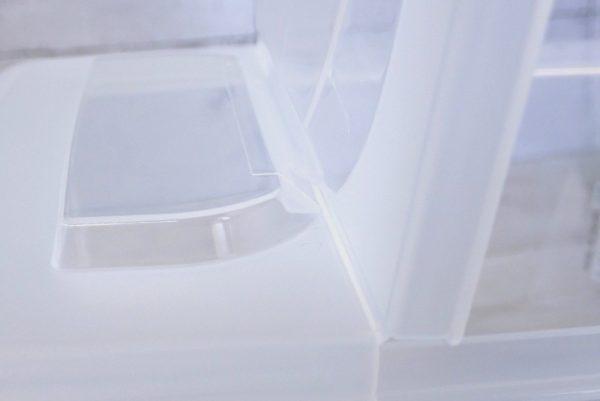 百均浪漫◆日本製 ライスストッカー 2kg用。フタをピタッと止める仕組み。