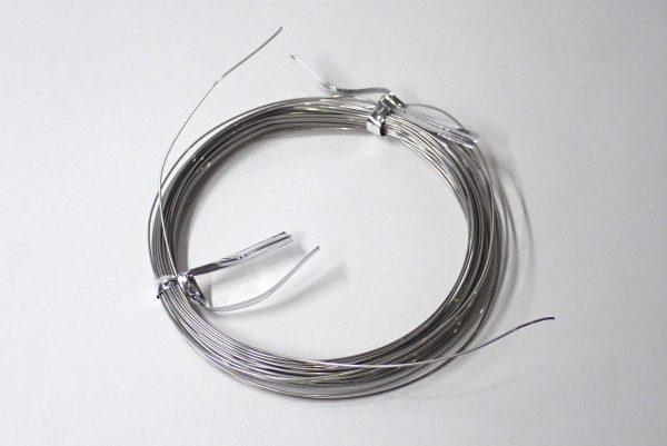 百均浪漫◆エコー金属須天針金約Φ0.55mm x 10m。何気に乱雑感のあるステン針金。。