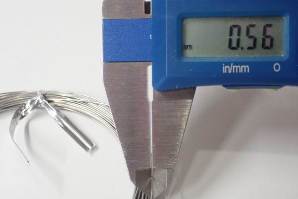 百均浪漫◆エコー金属須天針金約Φ0.55mm x 10m。直径は約0.55mm。