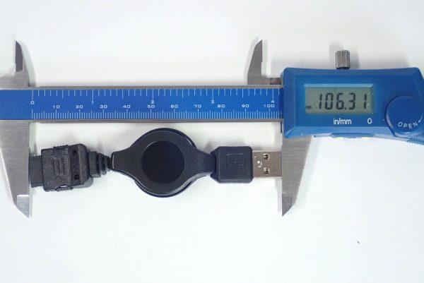 百均浪漫◆丸七 FOMA SoftBank 3G用USB 充電・転送リールケーブル。サイズ測地絵。