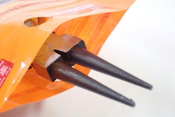 百均浪漫◆細工用先丸ペンチ ミニ。パッケージは再利用可能。