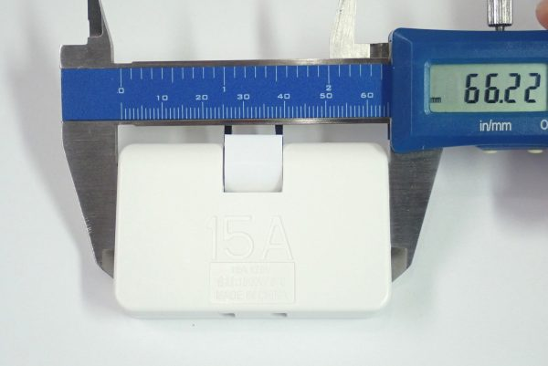 百均浪漫◆スイングタイプのトリプルタップ、3個口。サイズ測定。