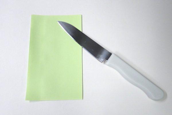 百均浪漫◆ダイソー・フルーツナイフ。セリアのフルーツナイフ、箱だし状態の切れ味チェック。