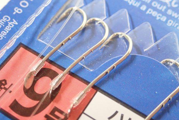 百均浪漫◆ダイソー・釣・投げ釣り仕掛け 針9号ハリス2号道糸4号。釣針詳細写真。