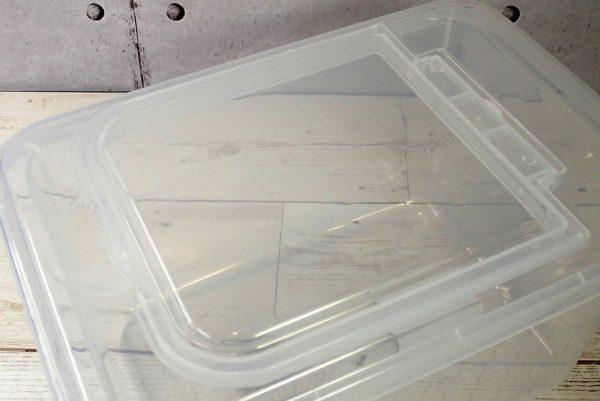 蓋の中央に小蓋が付いており、お米が取り出せる構造。