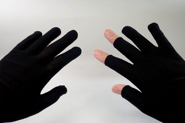 日本製!右手指先だけカットのフィットグローブ。何気にいい感じです。