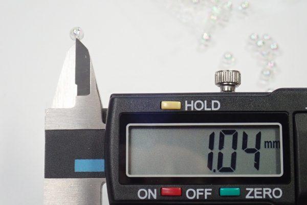 百均浪漫◆ハンドクラフト用キラキラビーズ4mm。穴や約1mm。