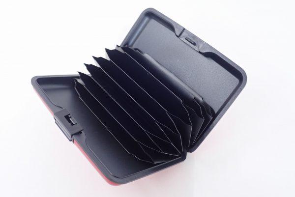 百均浪漫◆アルミ カードケース。本体詳細写真。ケース内カードポケット。