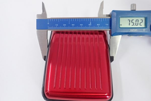 百均浪漫◆アルミ カードケース。本体詳細写真。サイズ測定。