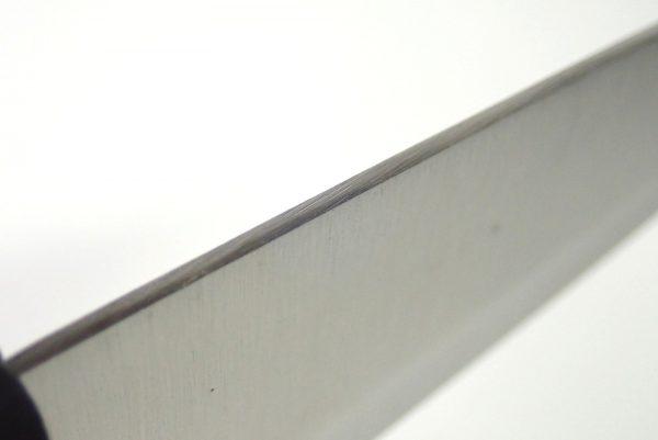 百均浪漫◆エコー金属 小出刃包丁(両刃)。本体詳細写真。峰部分。