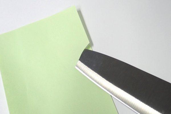 百均浪漫◆エコー金属 小出刃包丁(両刃)。紙を試し切り。よく切れる。