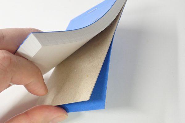 百均浪漫◆マルマン m.memo ロディアみたい。メモパッドとして剛性を保つための台紙も入っている。