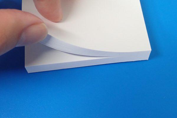 百均浪漫◆白い付箋紙75x75 120枚。数えていないけど120枚。