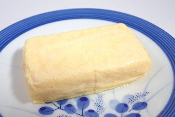 百均浪漫◆三和製玉 だし巻卵焼。4つに切れているよ。