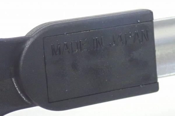 百均浪漫◆日本製、フッ素樹脂を傷つけない66ナイロンのステンレス製料理トング。ここにもMADE IN JAPANの文字が。