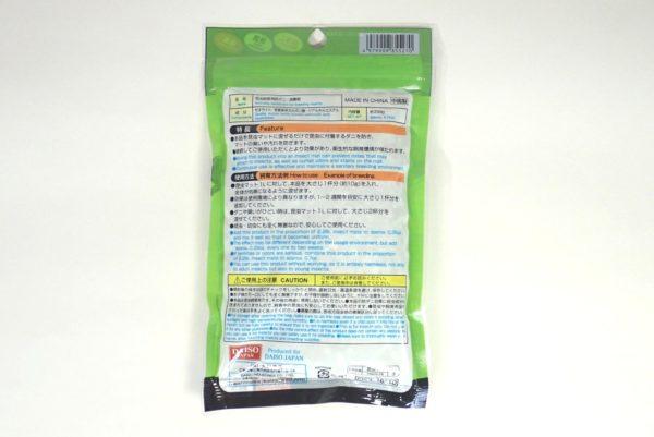 百均浪漫◆ダイソー 昆虫飼育用 防ダニ・消臭剤。パッケージ裏側詳細写真。